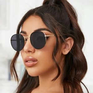 GOLD FRAME CIRCLE SUNGLASSES